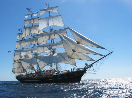 Clipper STAD AMSTERDAM bei Tagesfahrt